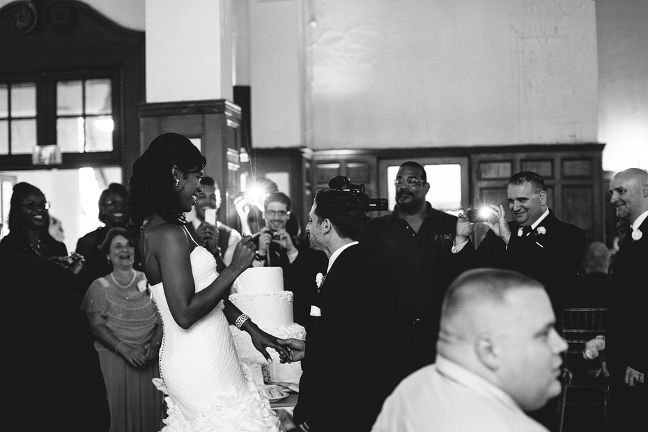 Ann Arbor Detroit Michigan Stylish Wedding Photographer Heather Jowett Yacht Club Photography Cake Cutting