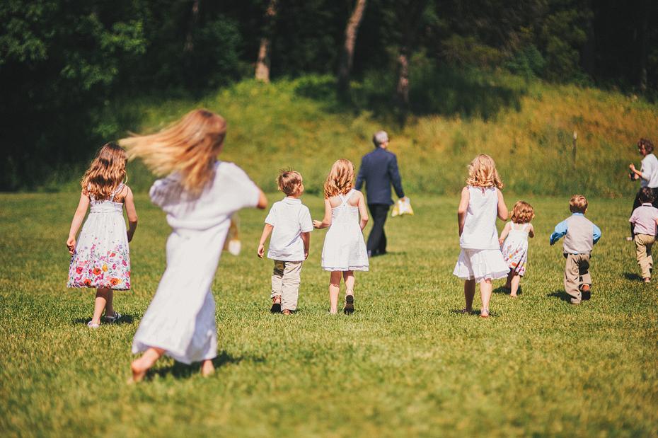 Ann Arbor Michigan Detroit Wedding Photographer Outdoors Nichols Arboretum Flower Children