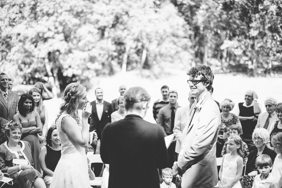 Ann Arbor Michigan Detroit Wedding Photographer Outdoors Nichols Arboretum Vintage