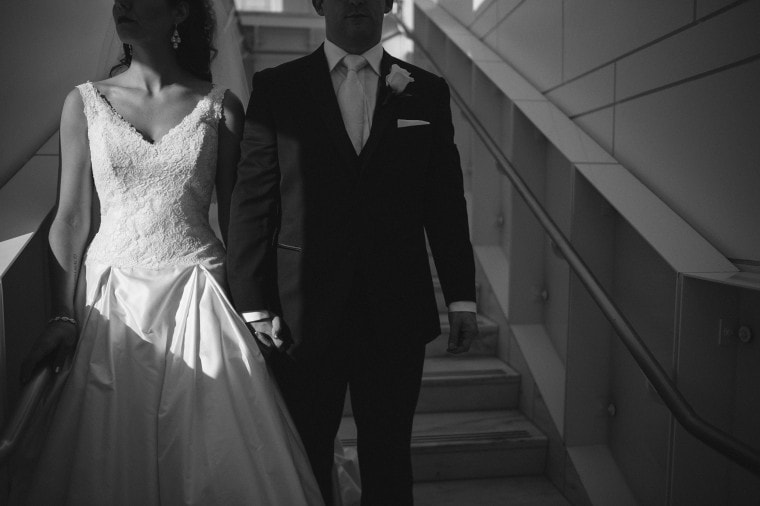 Bride and groom photograph at the Detroit Institute of Arts photography by Heather Jowett