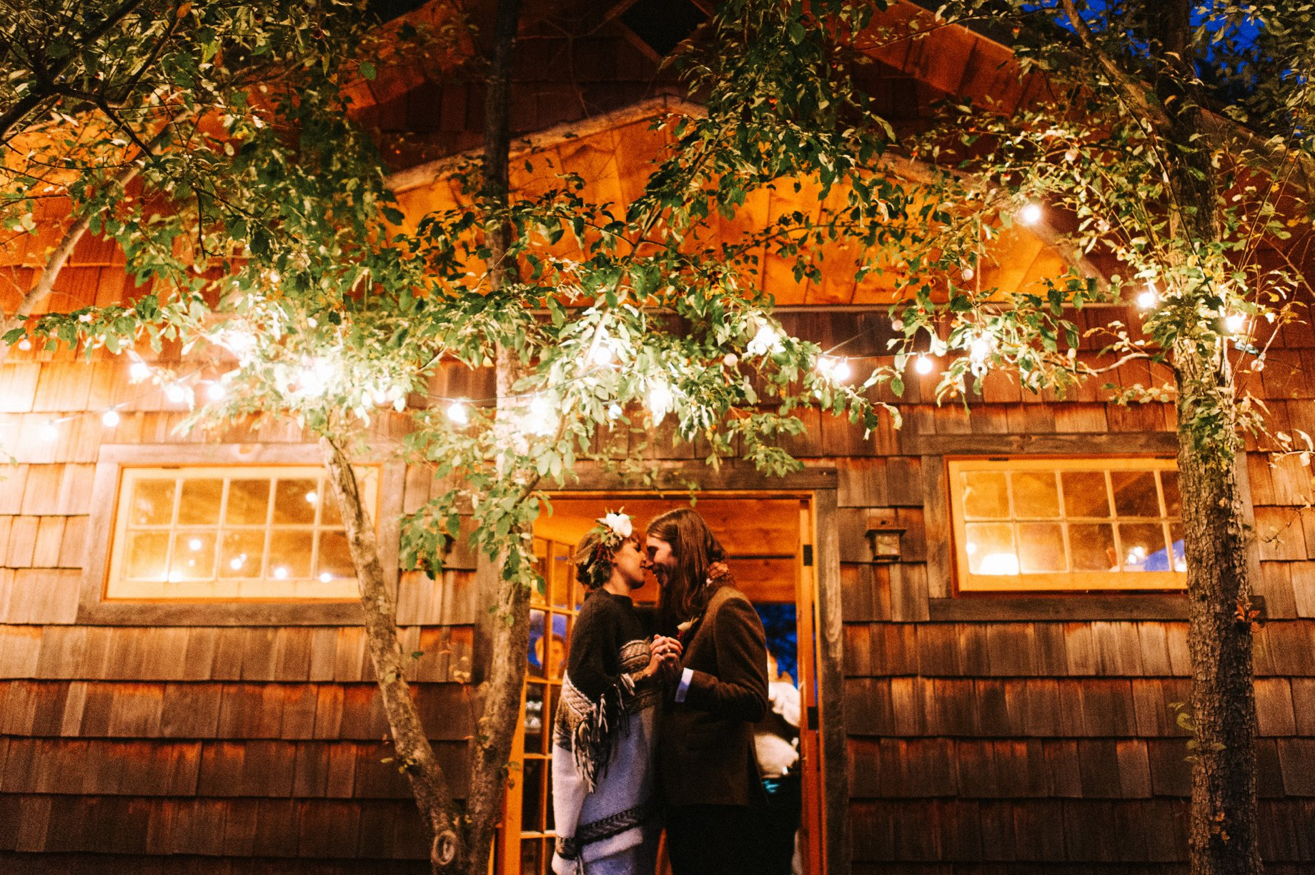 patio light wedding lighting