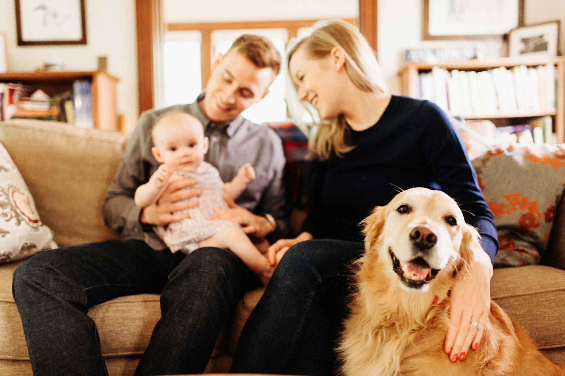 in home family photography with golden retreiver