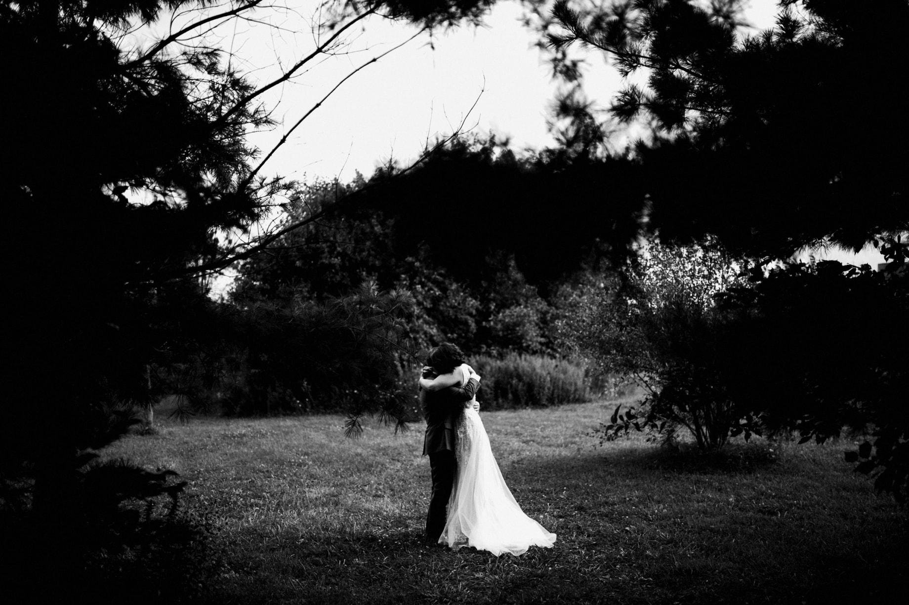 emotional wedding photographer detroit
