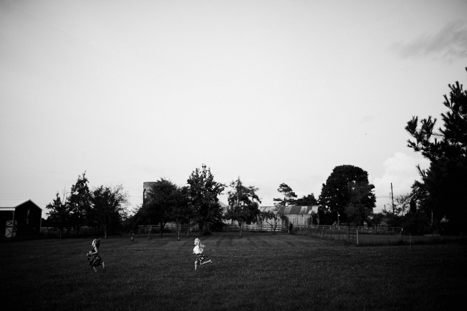 kids playing at backyard wedding